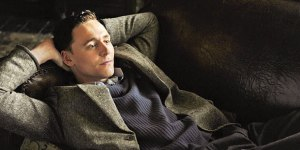 Tom Hiddleston being casually sexy